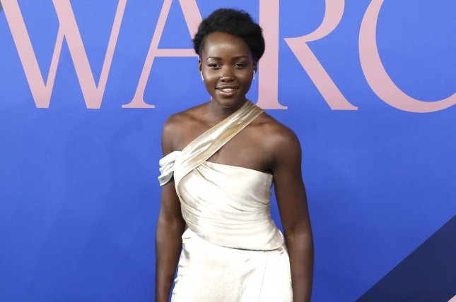 Watch Lupita Nyong'o joyously dance around Comic-Con as the Pink Ranger
