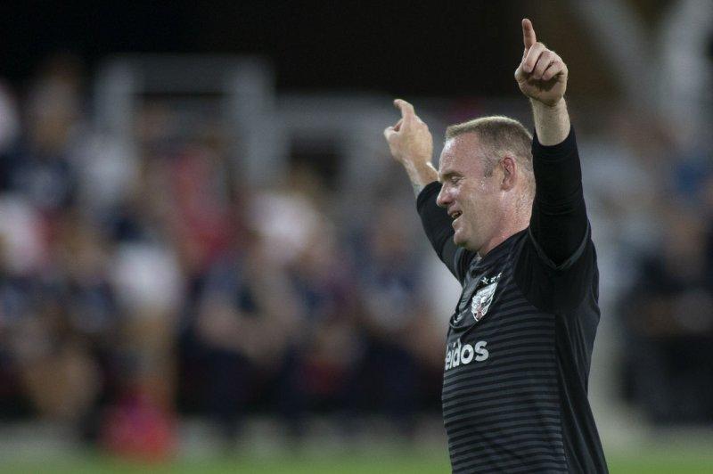 cc1066edf57 Watch  Wayne Rooney bends 25-yard free kick around wall in D.C. ...