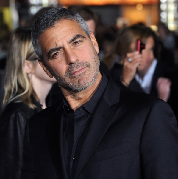 Actor George Clooney, who stars in the motion picture dramatic comedy Up In The Air, attends the premiere of the film in Los Angeles on November 30, 2009. UPI/Jim Ruymen