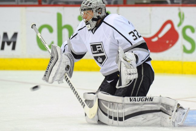 Los Angeles Kings goalie Jonathan Quick (32) warms up at the Verizon Center in Washington, D.C. on March 25, 2014. UPI/Mark Goldman