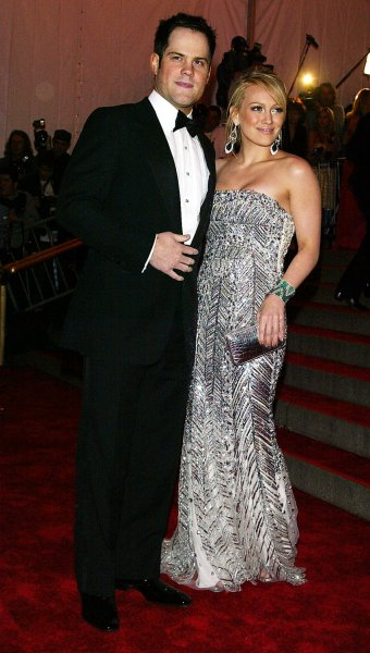 Hilary Duff and Mike Comrie arrive at the Metropolitan Museum of Art's Costume Institute Gala in New York on May 5, 2008. (UPI Photo/Laura Cavanaugh)