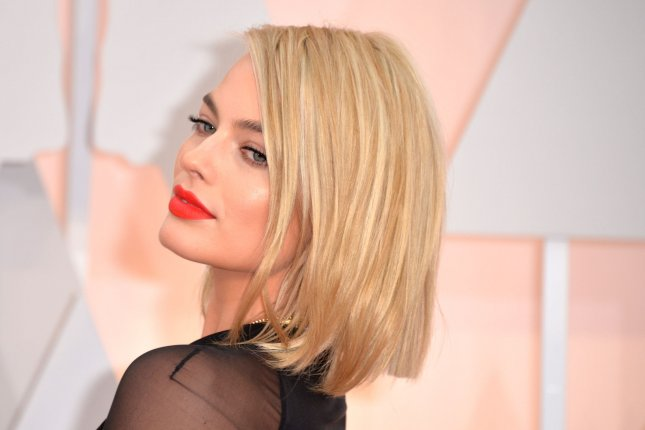 Margot Robbie arrives on the red carpet at the 87th Academy Awards at the Hollywood & Highland Center in Los Angeles on February 22, 2015. Photo by Kevin Dietsch/UPI