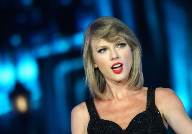 See Taylor Swifts Handwritten Thank You Notes To Her Fans Upi