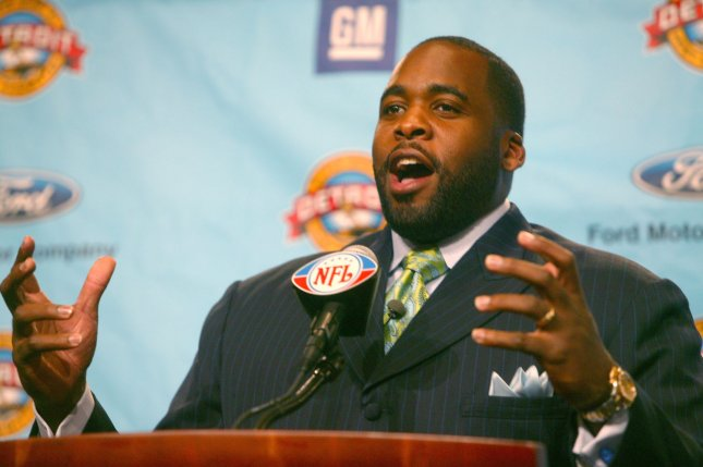 Detroit Mayor Kwame M. Kilpatrick welcomes fans, athletes, and members of the media and to the city of Detroit and the State of Michigan for Super Bowl XL in Detroit on January 30, 2006. (UPI Photo/Terry Schmitt)