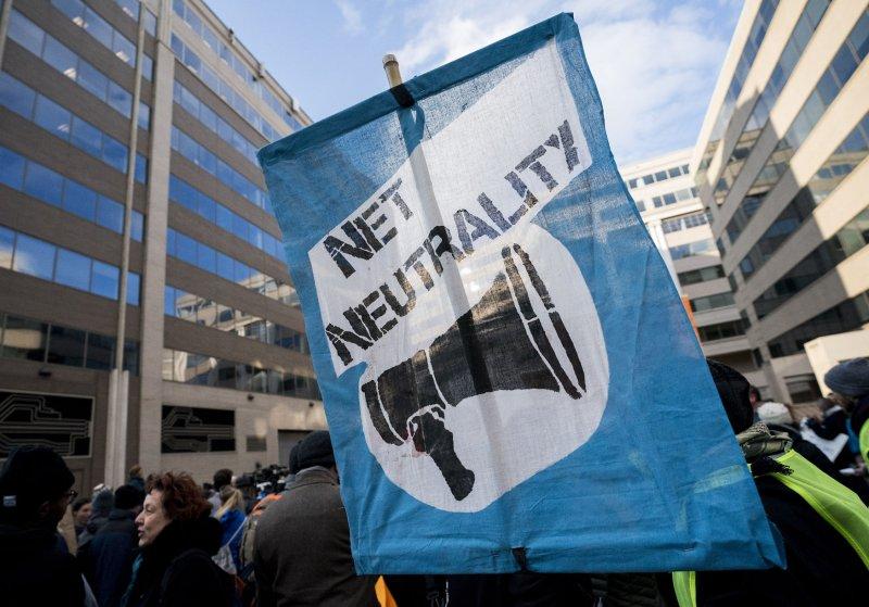 Senate Democrats push to reinstate 'net neutrality' rules