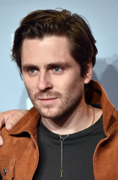 Sverrir gudnason to play mikael blomquist in 39 girl with for Sequel to girl with dragon tattoo