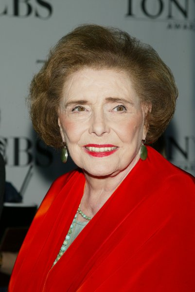 Patricia Neal arrives for the 60th Annual Tony Awards at Radio City Music Hall in New York on June 11, 2006. (UPI Photo/Laura Cavanaugh)