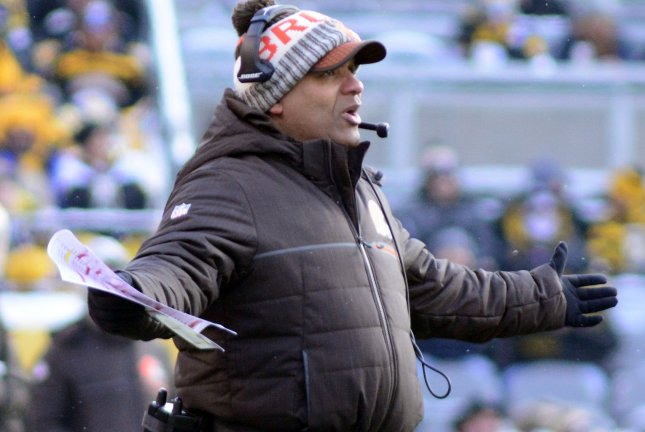 Cleveland Browns head coach Hue Jackson reacts to a roughing the passer call in the second quarter against the Pittsburgh Steelers Sunday at Heinz Field in Pittsburgh. Photo by Archie Carpenter/UPI