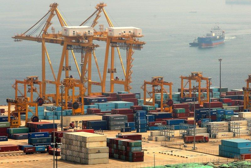 China tariffs cosg US billions
