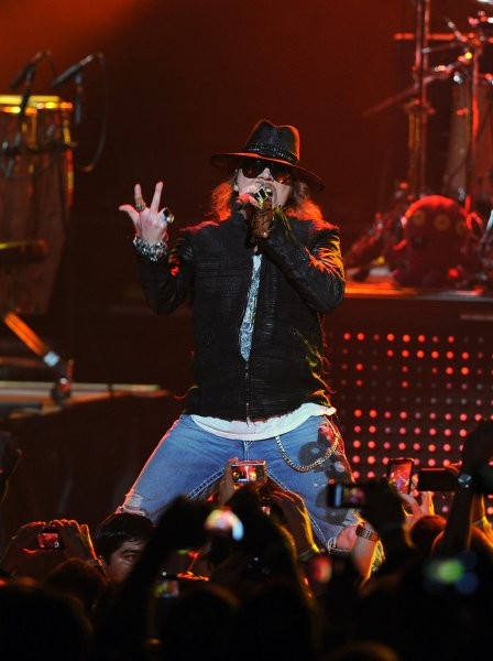 Axl Rose issues takedown request over 'Fat Axl' pic - UPI com