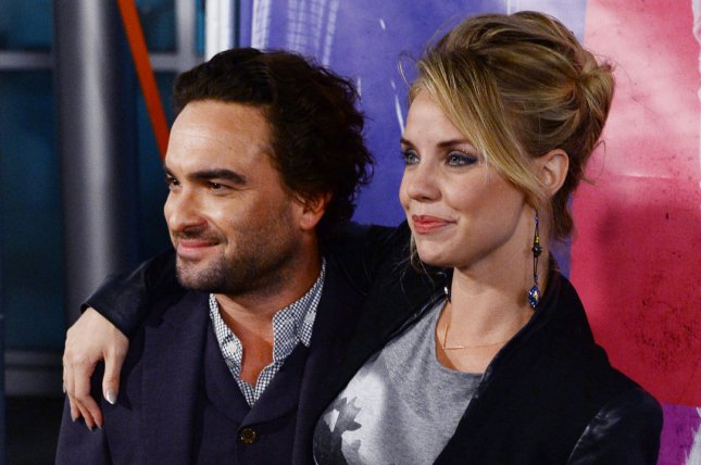 Johnny galecki dating 2014