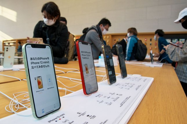 Eight states to allow driver's license on iPhone