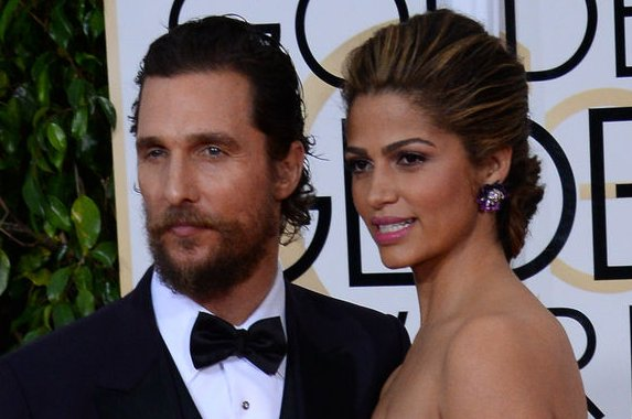 Camila Alves (R) and husband Matthew McConaughey attend the 72nd annual Golden Globe Awards on January 11, 2015. Photo by Jim Ruymen/UPI