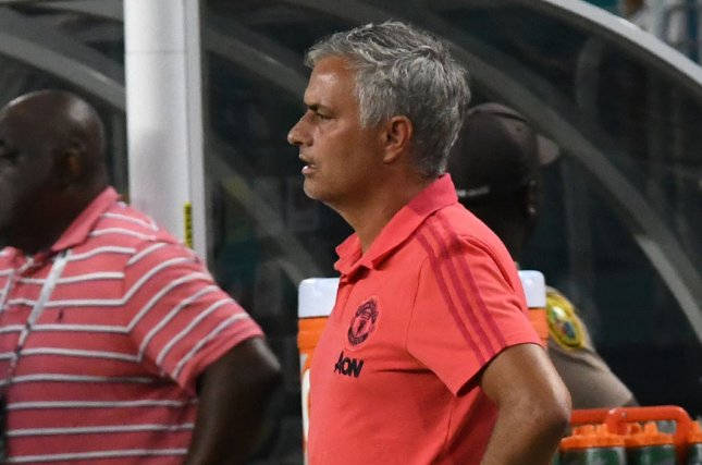 Man Utd midfielder Pogba quiet on Mourinho dressing room talk