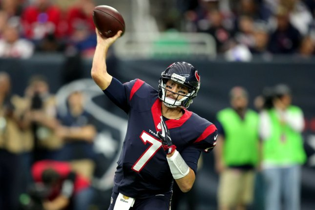 c6d2b7e919d Chicago Bears add experienced backup QB with signing of Brian Hoyer ...