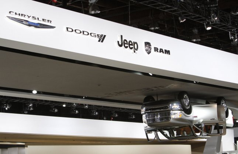 Chrysler offers minivan return policy