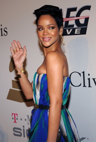 Singer Rihanna arrives at the Clive Davis pre-Grammy party in Beverly Hills, California on February 7, 2009. (UPI Photo/Jim Ruymen)