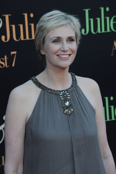 Cast member Jane Lynch attends the premiere of the motion picture biographical drama Julie and Julia in Los Angeles on Monday, July 27, 2009. The movie follows Julia and Paul Child through Julia Child's memoir, My Life In France, which she wrote with her grand nephew Alex Prud'homme. (UPI Photo/Jim Ruymen)