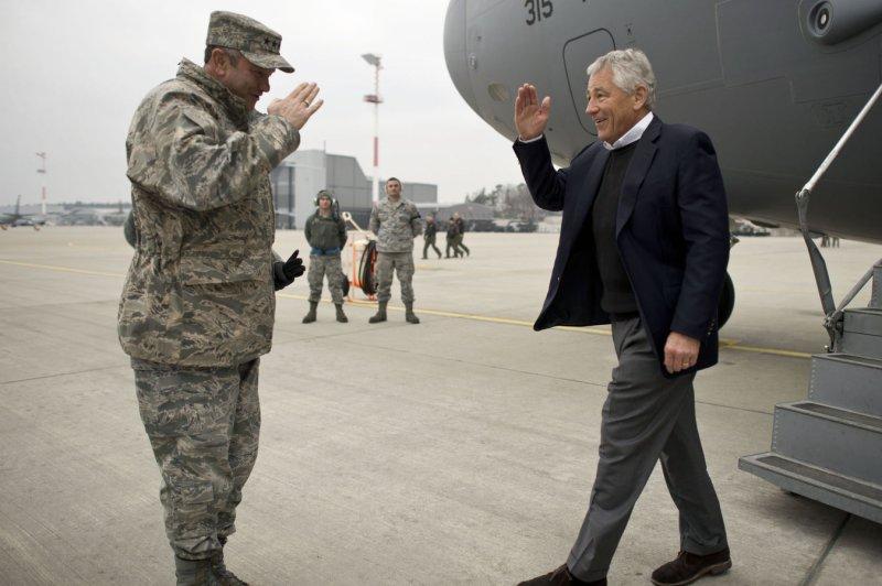 Secretary of Defense Chuck Hagel (r) returns a salute from Gen. Philip Breedlove, U.S. European Command Commander and NATO Supreme Allied Commander Europe. (UPI/Erin A. Kirk-Cuomo/DOD)