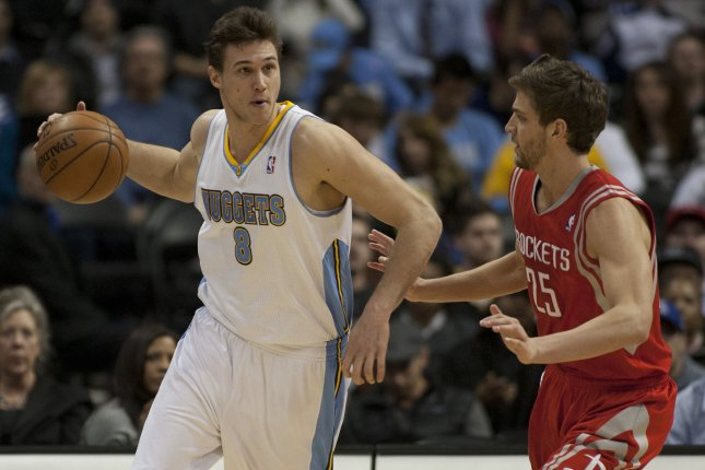 Gallinari Breaks Bone In Hand After Punching Opponent