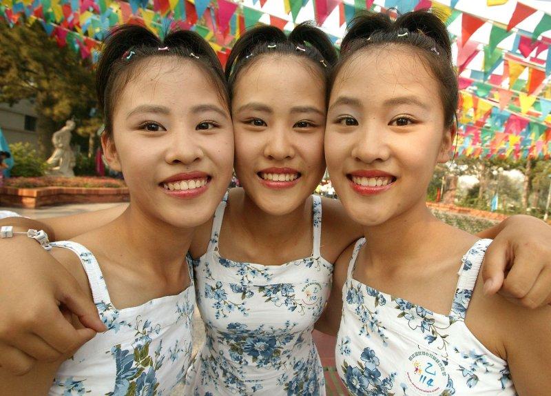 researcher identical twins not identical upi com