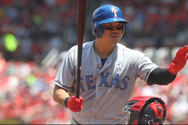 Beltre, Napoli homer as Rangers rally to win over Royals