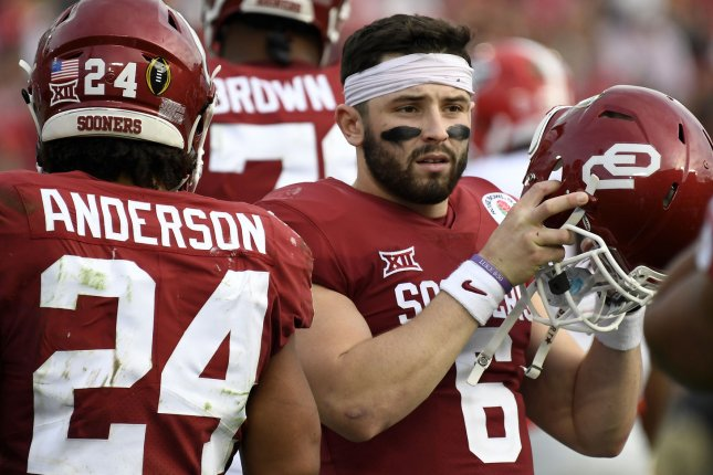 Baker Mayfield working out for Dolphins