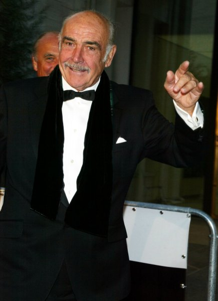 Sean Connery arrives for the season opening of the Metropolitan Opera and the performance of Madama Butterfly at Lincoln Center in New York on September 25, 2006. (UPI Photo/Laura Cavanaugh)