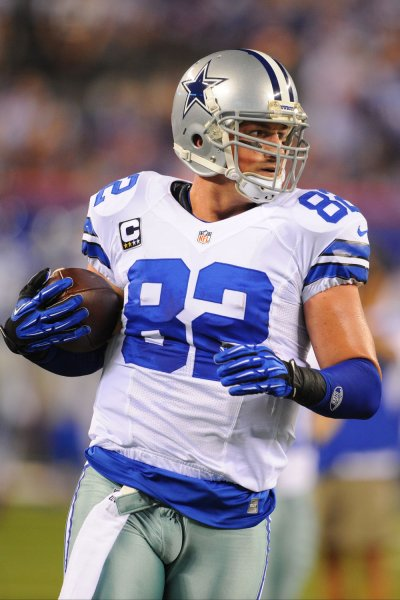 Former Dallas Cowboys tight end Jason Witten warms up before the start of the game against the New York Giants. File photo by Rich Kane/UPI