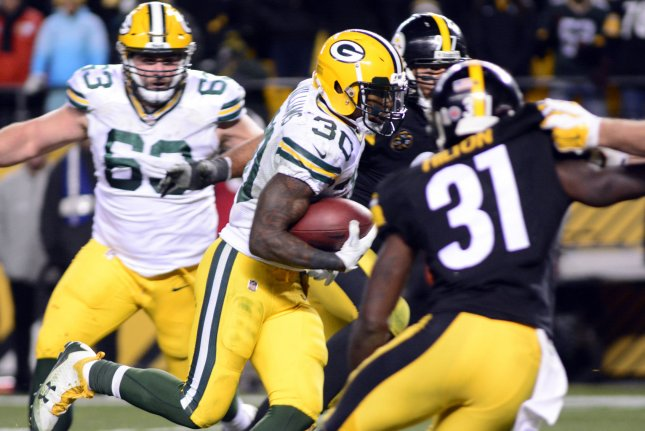 Green Bay Packers Running Back Jamaal Williams 30 Runs For A Touchdown Against The Pittsburgh Steelers In Fourth Quarter Of 31 28 Win