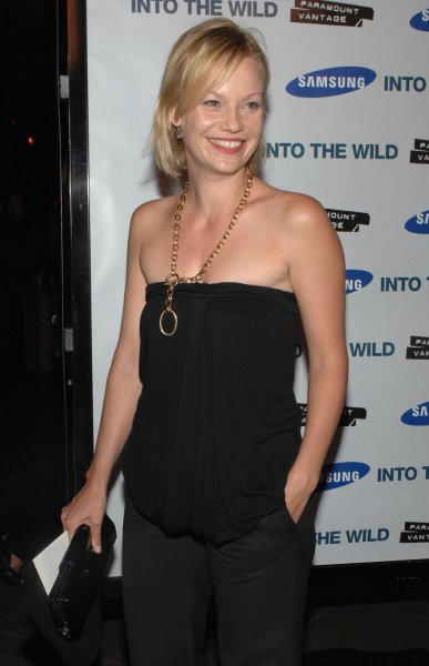 Actress Samantha Mathis attends the premiere of the true life adventure motion picture Into the Wild at the Directors Guild Theatre in Los Angeles on September 18, 2007. The film, based on the book by Jon Krakauer was written and directed by Sean Penn. (UPI Photo/Jim Ruymen)