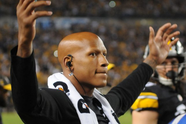Pittsburgh Steelers linebacker Ryan Shazier (50) rallies the fans during the third quarter on September 30, 2018 at Heinz Field in Pittsburgh. Photo by Archie Carpenter/UPI