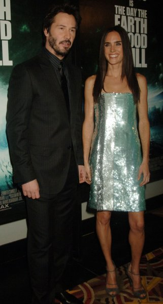 Actors Keanu Reeves and Jennifer Connelly arrive for the New York premiere of their film The Day the Earth Stood Still at the AMC Loews Lincoln Square theatre in New York on December 9, 2008. (UPI Photo/Ezio Petersen)