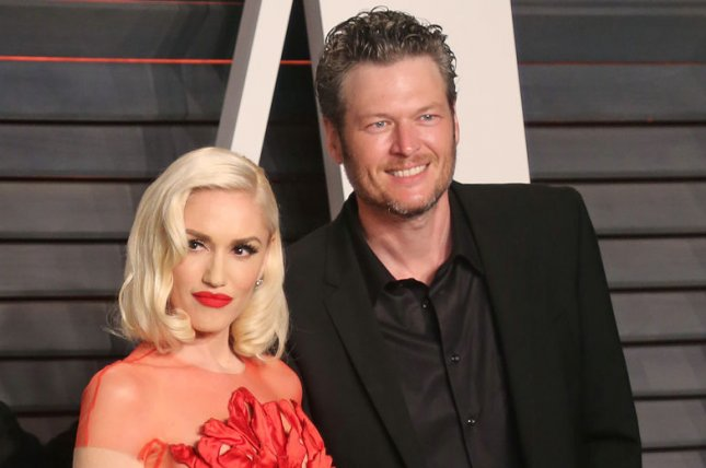 gwen stefani l pictured with blake shelton recounted how she wrote the song christmas eve at sheltons home in oklahoma file photo by david silpaupi - Blake Shelton Christmas Album