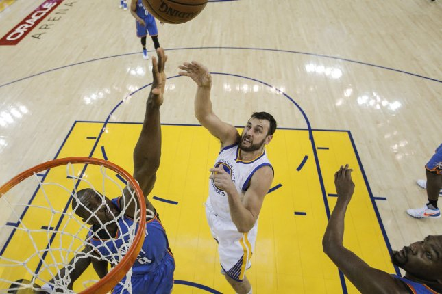 Andrew Bogut signs with Golden State Warriors