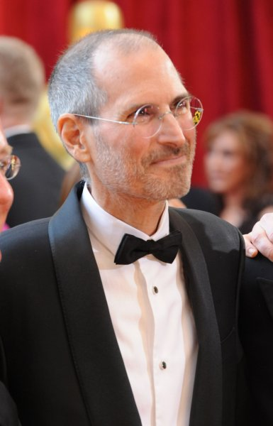 Steve Jobs arrives at the 82nd annual Academy Awards in Hollywood, March 7, 2010. UPI/Jim Ruymen