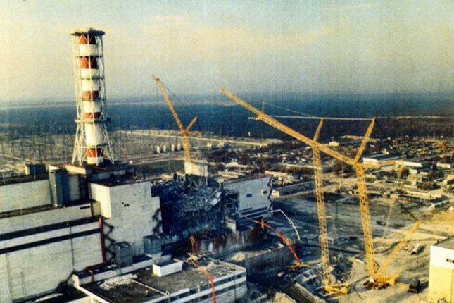 Workers to dismantle crumbling 'sarcophagus' at Chernobyl by