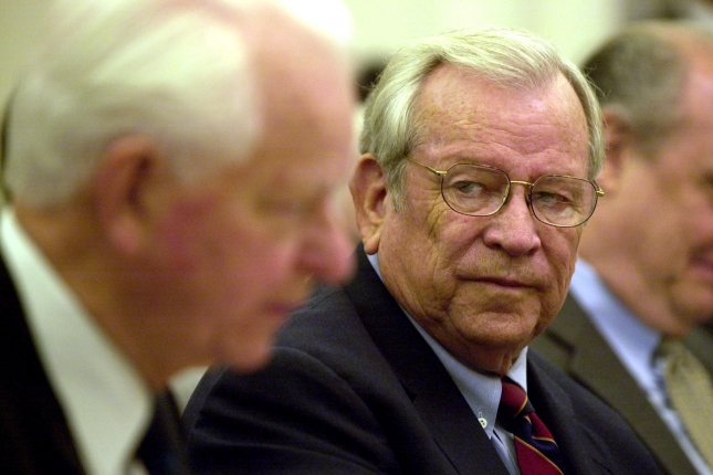 WAP2001052305 - 23 MAY 2001 - WASHINGTON, DC, USA: Former Senator Howard Baker (R-TN), left, listens to Senator Byrd (D-WV) reflect on Baker's long history of public service at the start of the Senate Foreign Relations Commitee hearing on Baker's nomination to the post of Ambassador to Japan. cc/cc/Chris Corder UPI