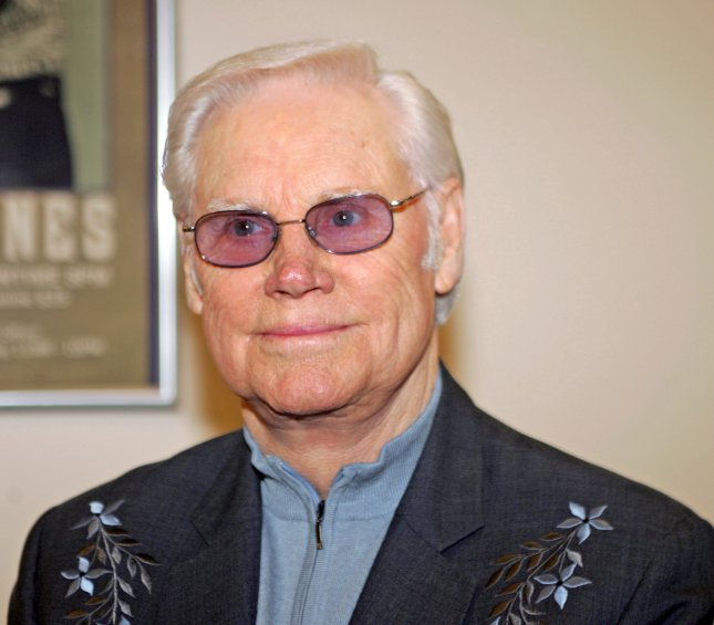George Jones poses backstage before appearing in concert at the Pechanga Indian Reservation's Resort and Casino in Temecula, CA, on February 17, 2006. (UPI Photo/Roger Williams)