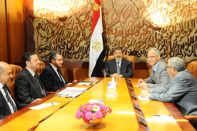 Morsi, 130 others, to stand trial in Egypt for escaping prison