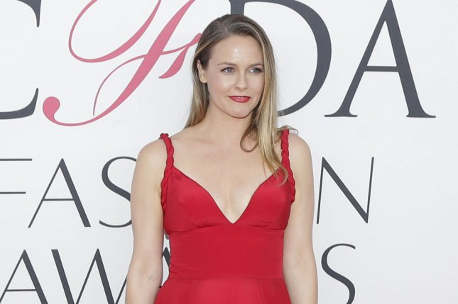 Alicia Silverstone Would Rather Go Naked Than Wear Wool