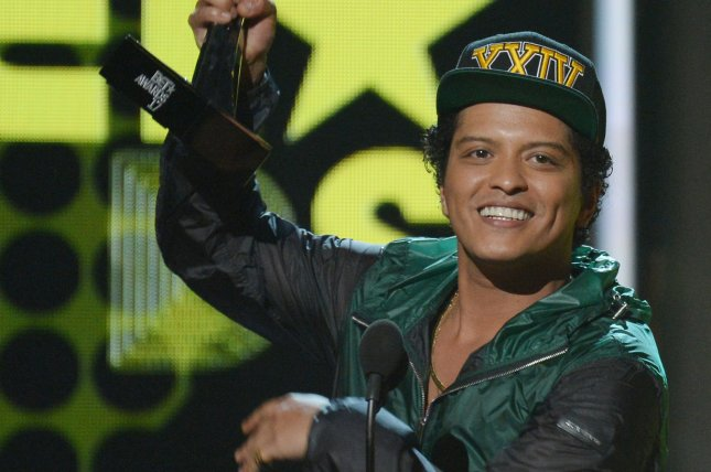 Bruno Mars to headline CBS special on November  29