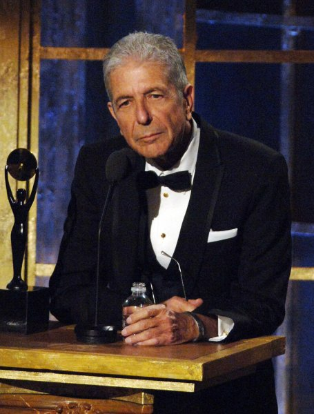 Singer-poet Leonard Cohen delivers remarks after being inducted into the 2008 Rock and Roll Hall of Fame during ceremonies held at the Waldorf Astoria hotel in New York on March 10, 2008. (UPI Photo/Ezio Petersen)