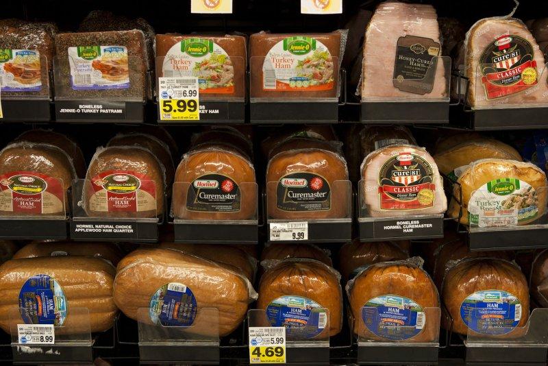 FDA asks U.S. food producers to cut down salt to lower Americans' intake