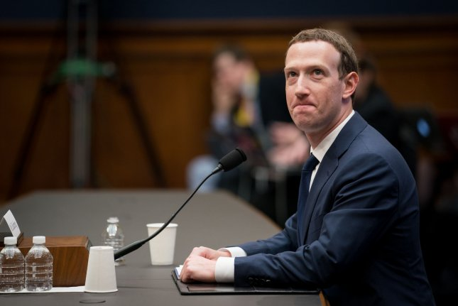 Zuckerberg's notes show he was prepared for senators to ask about resigning
