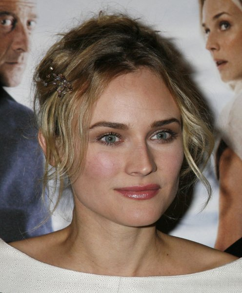Actress Diane Kruger arrives at the French premiere of the film Pour Elle (Anything for Her) in Paris on November 30, 2008. (UPI Photo/David Silpa)