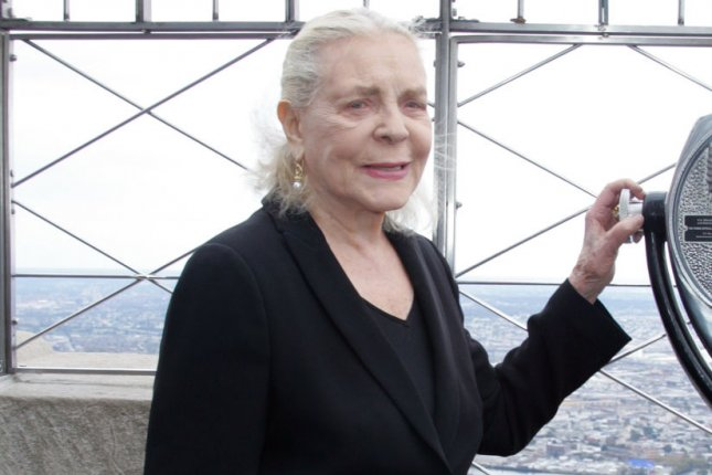 Lauren Bacall hosts lighting ceremony at the Empire State Building to celebrate the 125th anniversary of the American Academy of the Dramatic Arts at the Empire State Building in New York on October 2, 2009. UPI/Laura Cavanaugh