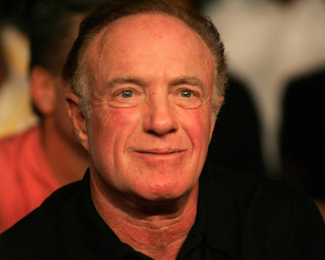Actor James Caan watches the Shane Mosley - Winkey Wright fight, won by Wright at Mandalay Bay in Las Vegas on November 20, 2004. (UPI Photo/Roger Williams)