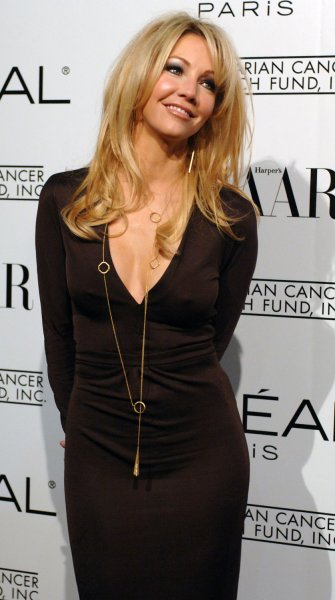 Actress Heather Locklear arrives for L'Oreal Paris¨ Presents As Seen in...Harper's Bazaar to benefit the Ovarian Cancer Research Fund at the Lindbrook Gallery in the Westwood section of Los Angeles, California December 8, 2005. Actresses Milla Jovovich and Eva Longoria co-hosted the event. .(UPI Photo/Jim Ruymen).