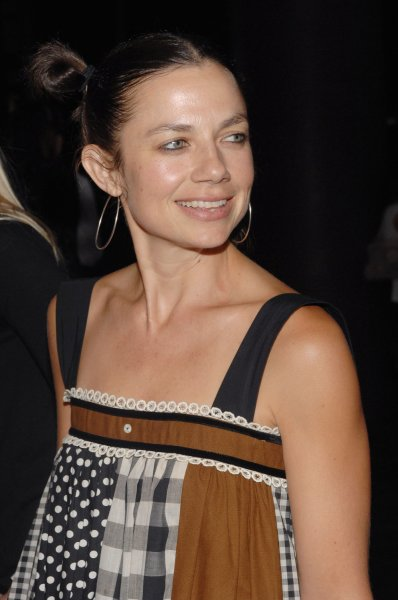 Actress Justine Bateman attends the premiere of the true life adventure motion picture Into the Wild at the Directors Guild Theatre in Los Angeles on September 18, 2007. The film, based on the book by Jon Krakauer was written and directed by Sean Penn. (UPI Photo/Jim Ruymen)